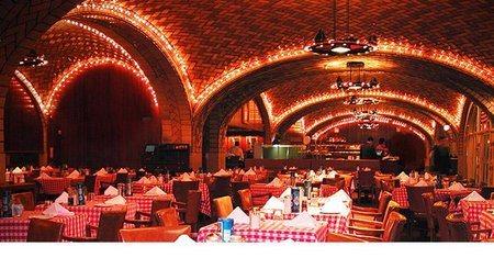 Места, где можно развлечься и выпить в Нью-Йорке