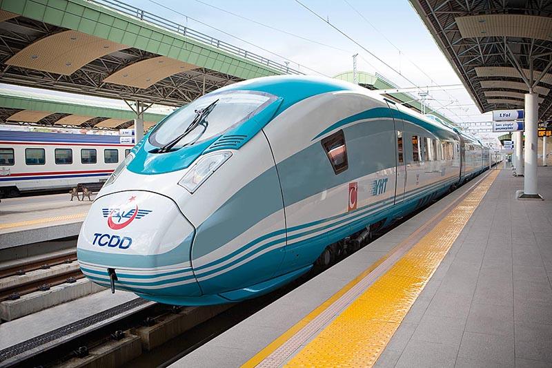 Семь высокоскоростных поезда