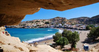 Наслаждение в лазурно-голубых водах побережья Крита