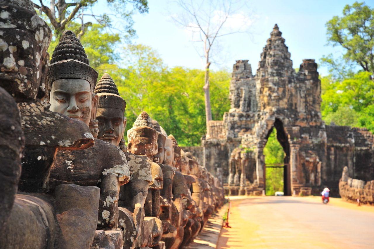 Исследование самого старейшего в мире доиндустриального города – империи Ангкор, которая зародилась более 1000 лет назад в нынешней Камбодже.