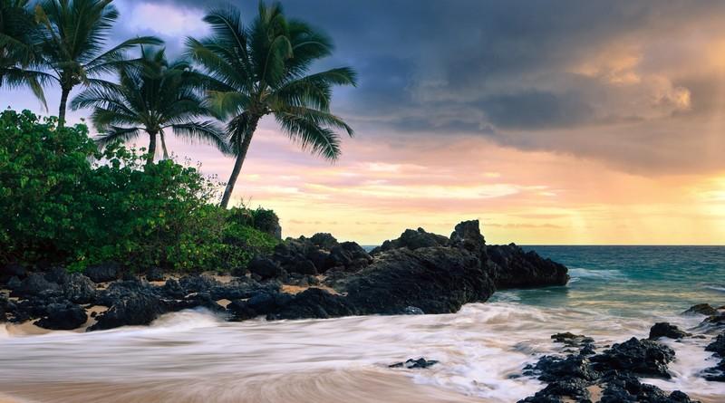 Большой остров придерживается более широкой программы Гавайев «Безопасное путешествие» для возобновления туризма