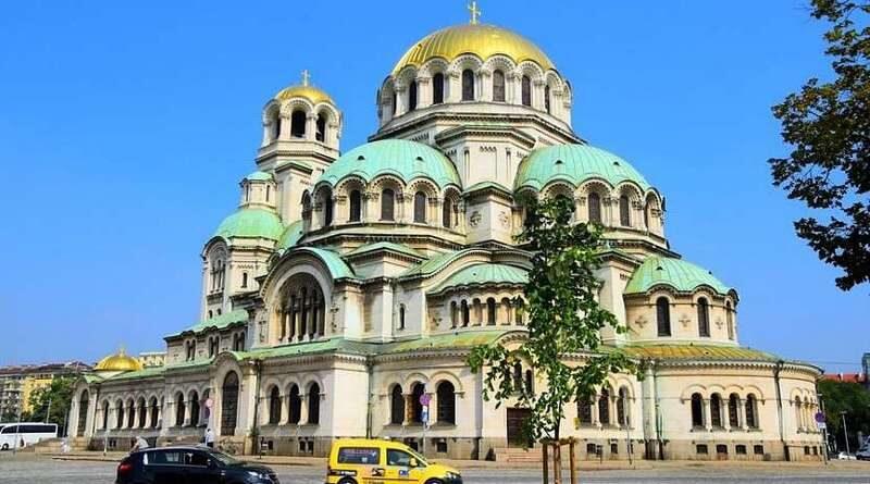 София, один из старейших городов, может похвастаться множеством возможностей для тех, кто хотел бы посетить этот город. Повсюду вы найдете памятники и руиныСофия, один из старейших городов, может похвастаться множеством возможностей для тех, кто хотел бы посетить этот город. Повсюду вы найдете памятники и руины
