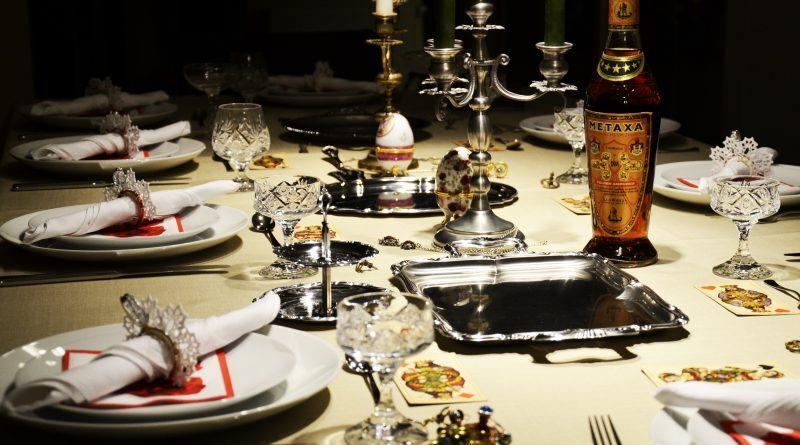 Рестораны высокой кухни предлагают своим клиентам высококлассное и полноценное питание. В них пытаются создать стильную атмосферу, которая говорит о безупречном вкусе, как в декоре, так и в приготовлении пищи